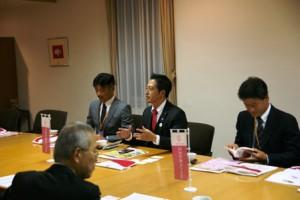 吉川市長との懇談が行われました。